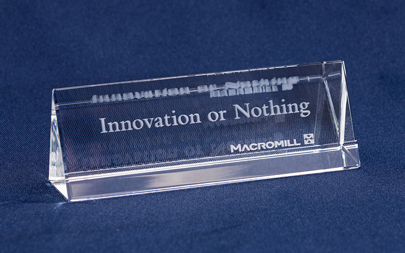 Innovation or Nothingクリスタル